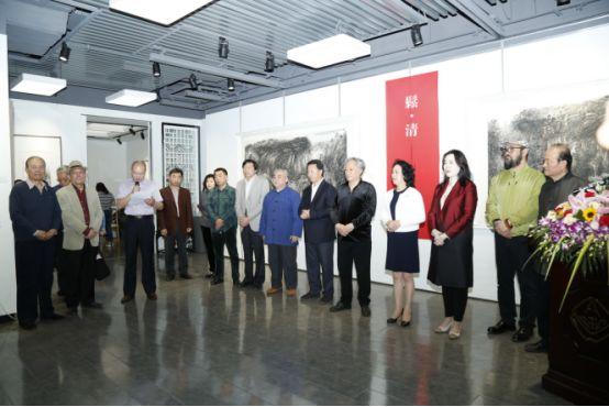 石敏;国安艺尊(北京)国际文化艺术中心副董事长,总经理 杨京岛;中信